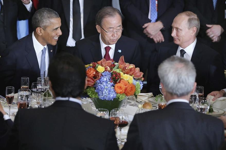Barack Obama, Ban Ki-moon y Vladimir Putin, durante un almuerzo ofrecido por el secretario general de la ONU. (Foto Prensa Libre: EFE).