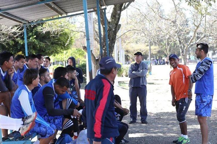 Plata es el técnico del Deportivo Mixco, de la Primera División del futbol nacional. (Foto Prensa Libre: Francisco Sánchez).