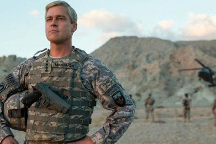 "Brad Pitt protagoniza la película ""Máquina de guerra"", una sátira sobre el ejercicio de las tropas estadounidenses en Afganistán. (NETFLIX/FRANCOIS DUHAMEL)"