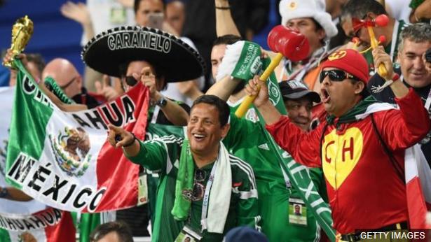 """En México siguen defendiendo que el grito """"Ehhh, pu…"""" forma parte de su cultura, pero la FIFA lo considera discriminatorio. (Foto Prensa Libre: BBC Mundo)"""