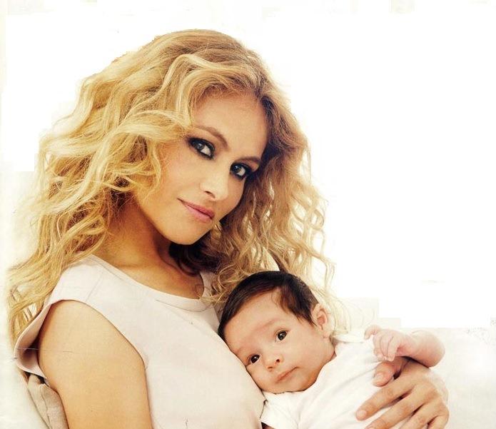 Paulina Rubio presentó en sociedad a su pequeño hijo Eros. (Foto Prensa Libre: ¡Hola!)