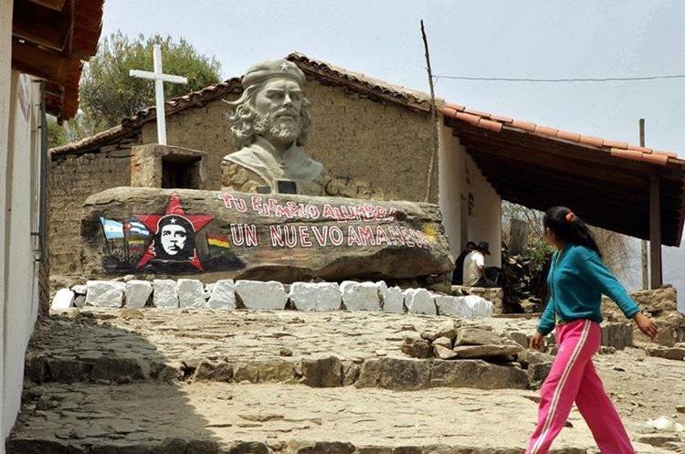 Monumento al Che Guevara en La Higuera, Bolivia, sitio donde falleció en 1967. (Foto: AFP)