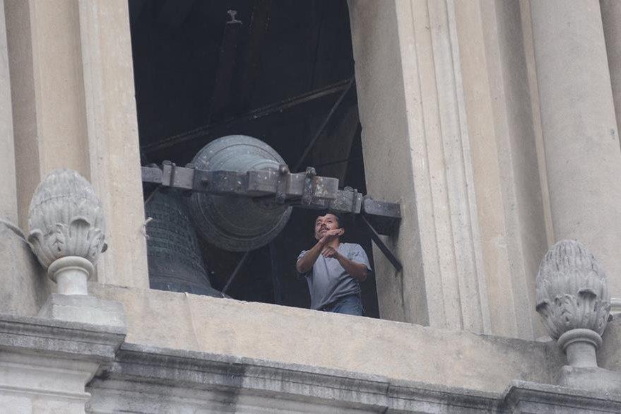 Al momento en que Benedicto XVI anunciaba su renuncia todas las iglesias de Guatemala repicaron sus campanas. En la foto una de las campanas de la Catedral Metropolitana.  (Foto: Hemeroteca PL)