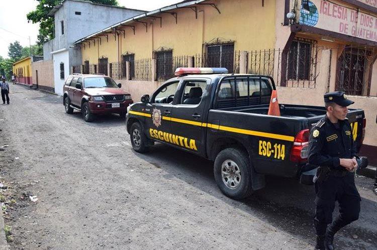 El primer vehículo utilizado por los hombres armados fue encontrado en una aldea cercana de donde ocurrieron los hechos.