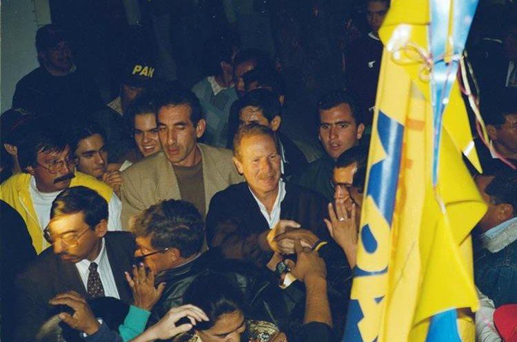 Arzú fue fundador del Partido de Avanzada Nacional, PAN.