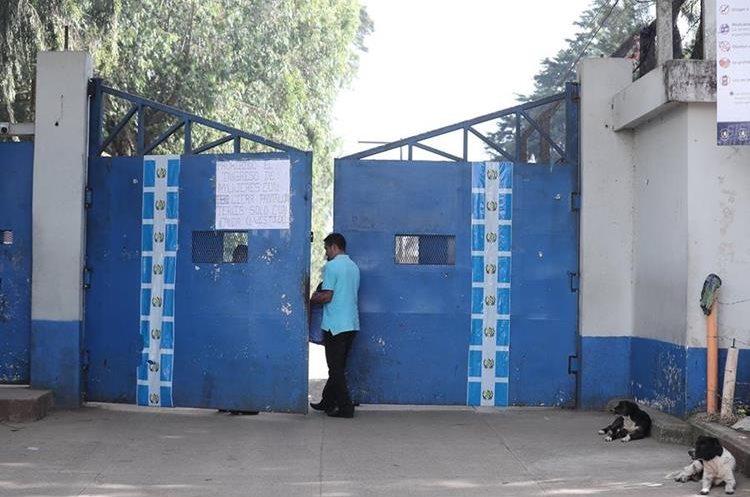 La administración de Pavoncito suspendió las visitas de familiares luego del ataque.(Foto Prensa Libre: Juan Diego González)