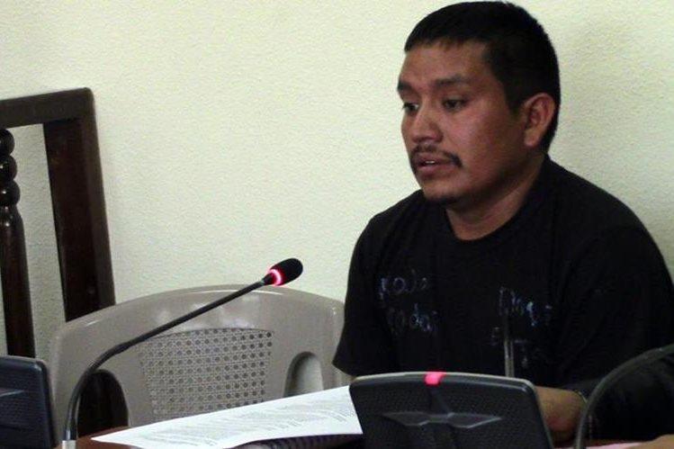 Concejal de Canillá, Quiché, Damián Lux, queda ligado a proceso por trata de personas en un juzgado de Huehuetenango. (Foto Prensa Libre. Mike Castillo)