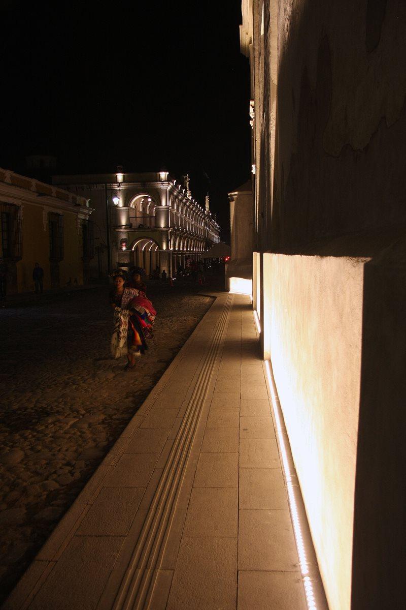 Primera fase de restauración de la Catedral de Antigua Guatemala consistió en trabajos en la fachada. (Foto Prensa Libre: Renato Melgar)
