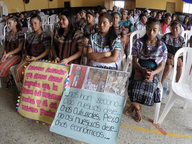 """Estudiantes asistieron este martes a un foro en Cubulco, Baja Verapaz.&nbsp;<span style=""""font-size: 12px;"""">PRENSA LIBRE / EDUARDO SAM</span>"""