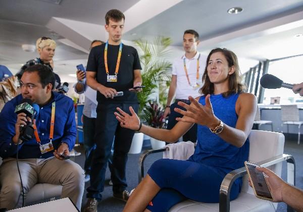 La tenista hispano-venezolana Garbiñe Muguruza durante un encuentro con los medios en Miami. (Foto Prensa Libre: EFE).