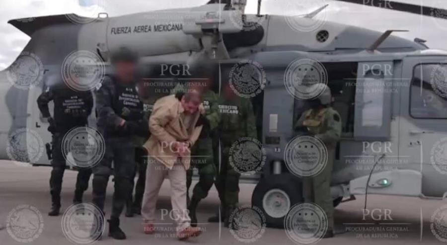 En Twitter ha circulado esta fotografía con un sello de agua de la PGR (Procuraduría General de la República).