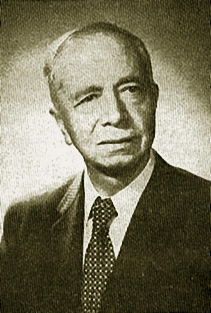 Adrián Recinos, el gran intelectual, en 1944. (Foto: Hemeroteca PL)