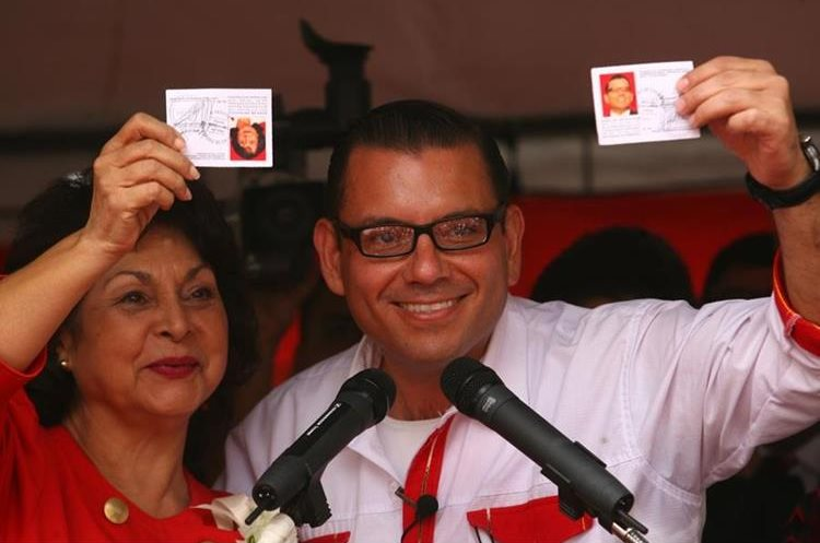 Manuel Baldizón y Raquel Blandón, candidata a la vicepresidencia en 2011. (Foto Prensa Libre: Hemeroteca)