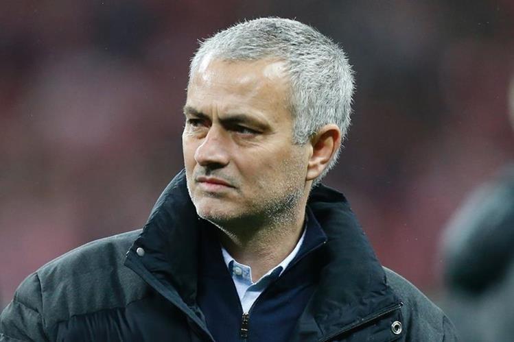 Jose Mourinho asegura que se siente cómodo con la relación con sus jugadores en el Manchester United. (Foto Prensa Libre: AFP)