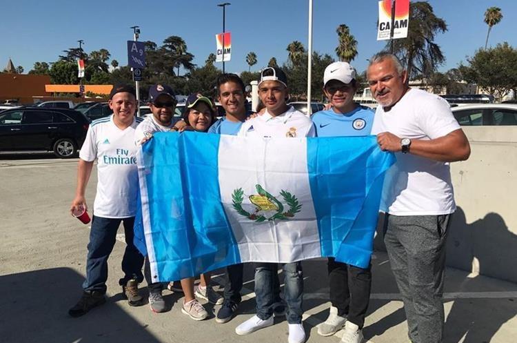 La familia Otzoy Ruiz espera con ansias el partido entre el Real Madrid y el Manchester City. (Foto Prensa Libre: Cortesía Familia Otzoy)