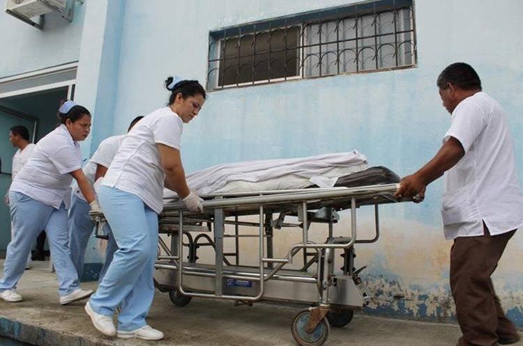 Julio Antonio Penados Sincuir falleció en Hospital Regional de San Benito (Foto Prensa Libre: Rigoberto Escobar)