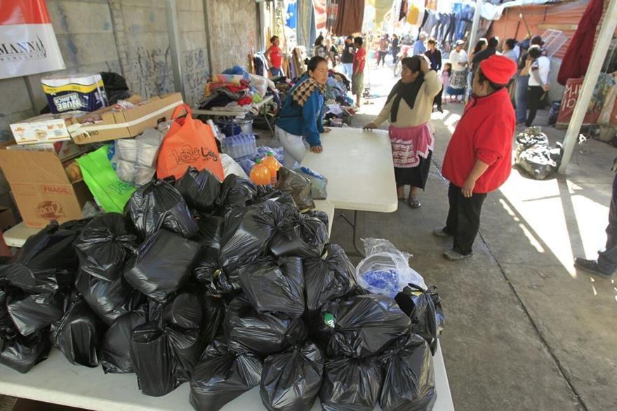 Organizaciones y vecinos recolectan víveres para afectados en la zona 3. (Foto Prensa Libre: Hemeroteca PL)