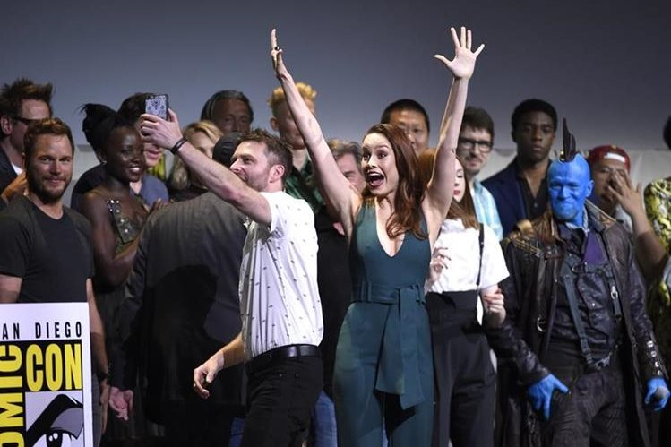 Larson subió al escenario del Comic-Con junto con los demás actores de la factoría Marvel.