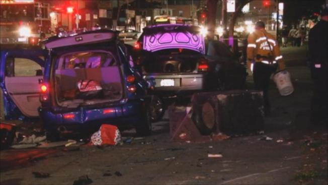 El vehículo en el que viajaban los dos menores junto a su progenitora, fue colisionado por otro. (Foto: NBC)