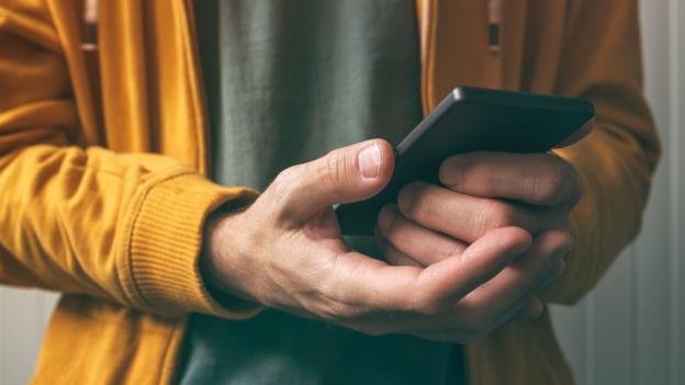 El giroscopio permite saber cómo agarras el teléfono. GETTY IMAGES