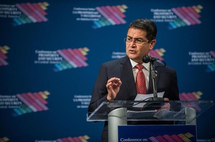 Juan Orlando Hernández habla durante la cumbre económica y de seguridad sobre Centroamérica. (EFE).