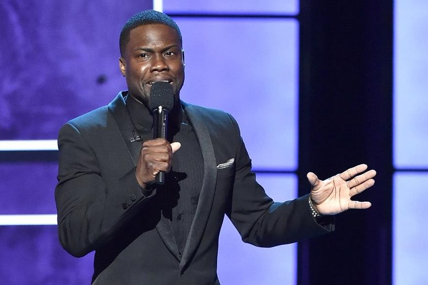LOS ANGELES, CA - MARCH 14:  Roastmaster Kevin Hart speaks onstage at The Comedy Central Roast of Justin Bieber at Sony Pictures Studios on March 14, 2015 in Los Angeles, California. The Comedy Central Roast of Justin Bieber will air on March 30, 2015 at 10:00 p.m. ET/PT.  (Photo by Kevin Winter/Getty Images)