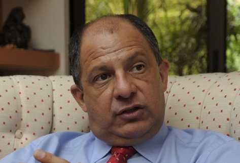 El opositor Luis Guillermo Solís llama a votar sin considerarse presidente de Costa Rica pese a retiro de rival. (Foto Prensa Libre/Archivo)