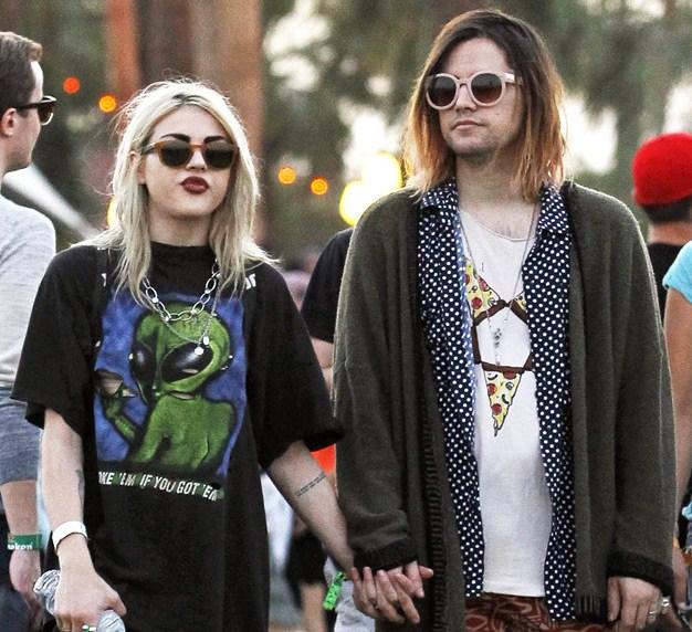 La hija de Kurt Cobain, de 23 años, Frances Bean Cobain, con su ahora esposo, Isaiah Silva.
