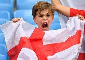 Inglaterra avanzó a semis y así lo celebró su afición.