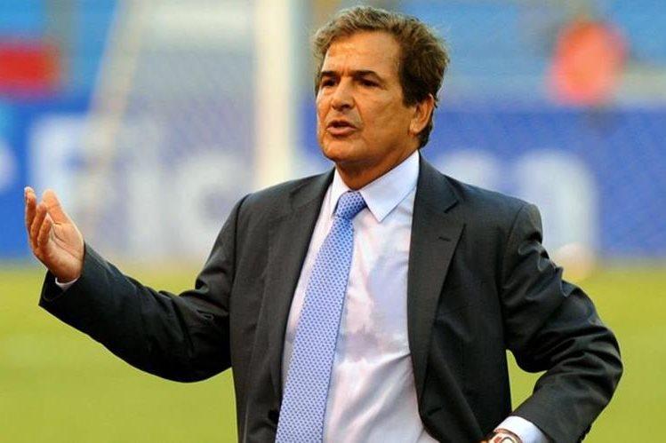 El técnico colombiano Jorge Luis Pinto dirige a la selección de Honduras. (Foto Prensa Libre: Hemeroteca)