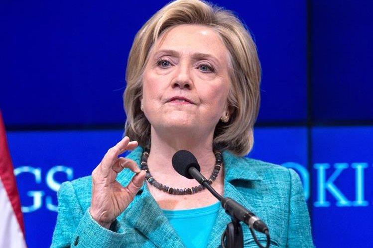 La candidata demócrata, Hillary Clinton, habla del acuerdo nuclear con Irán en el Instituto Brookings de Washington. (Foto Prensa Libre: AFP).
