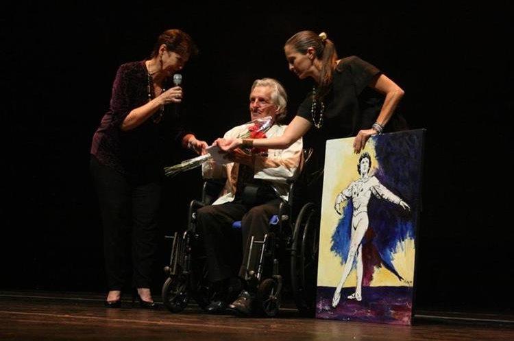 Richard Devaux fue homenajeado en mayo de 2017 por el Ministerio de Cultura y Deportes (Foto Prensa Libre: McD).
