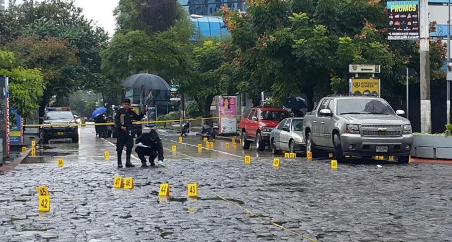 Werner Castillo y dos supuestos acompañantes sobrevivieron heridos a un ataque el pasado fin de semana en la zona 10. (Foto Prensa Libre: Hemeroteca PL)