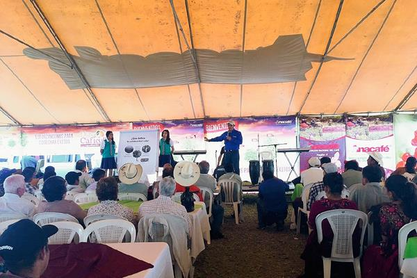 La región VI  celebró el día del caficultor exhortando a los productores a seguir cosechando café de calidad y valor agregado. (Foto Prensa Libre: Cortesía Anacafé).