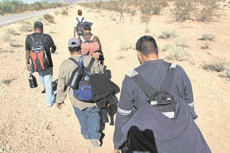 Las personas se mueven de un departamento a otro por situaciones de violencia, en algunos casos a otros paises. (Foto Prensa Libre: Hemeroteca PL)