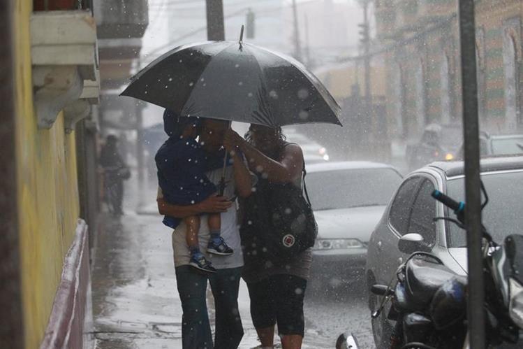 La lluvia podría extenderse toda la semana. (Foto Prensa Libre: Hemeroteca PL)