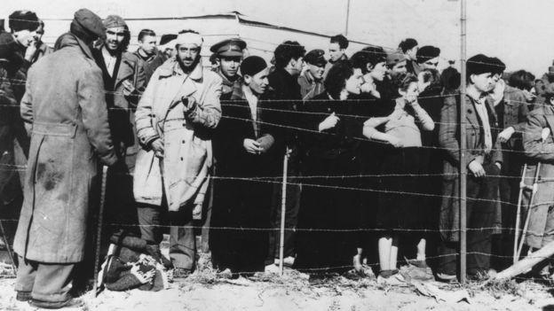 El resultado de la guerra llevó a huir a numerosos refugiados del bando republicano. (GETTY)