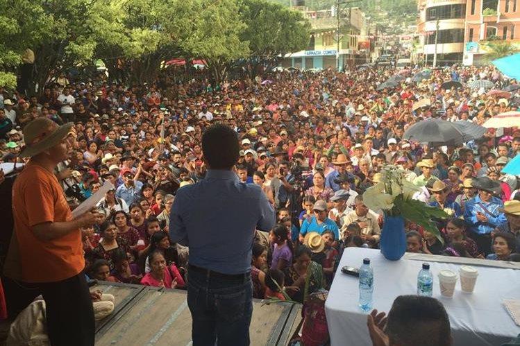 Los líderes comunitarios son recibidos en Santa Cruz Barillas, Huehuetenango, en el último punto de la Caravana de la Libertad. (Foto Prensa Libre: PrensaComunitaria)