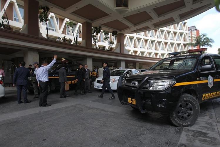 Autoridades intervinieron el hotel y secuestraron documentación. (Foto Prensa Libre: Hemeroteca PL)