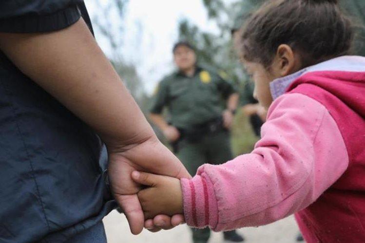 Entidades promigrantes han denunciado que autoridades migratorias engañan a padres para que desistan de su derecho de reunificación. (Foto: Hemeroteca PL)