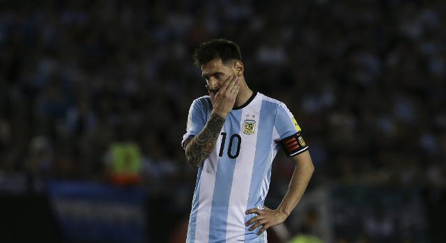 Lionel Messi regresaría a jugar con Argentina hasta la última fecha de la clasificatoria mundialista. (Foto Prensa Libre: AP)