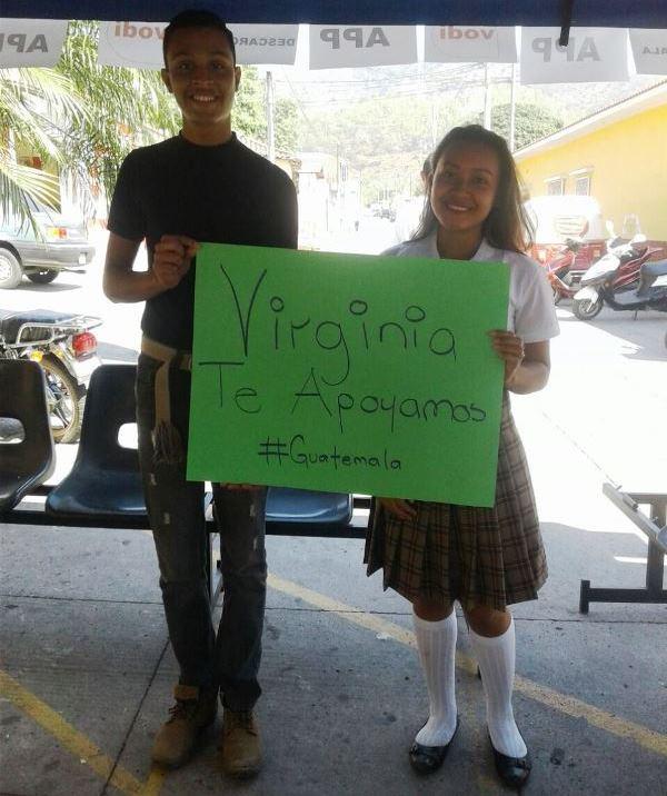 Los estudiantes también manifestaron su respaldo a la belleza jutiapaneca. (Foto Prensa Libre: Cortesía Jennifer Lara)