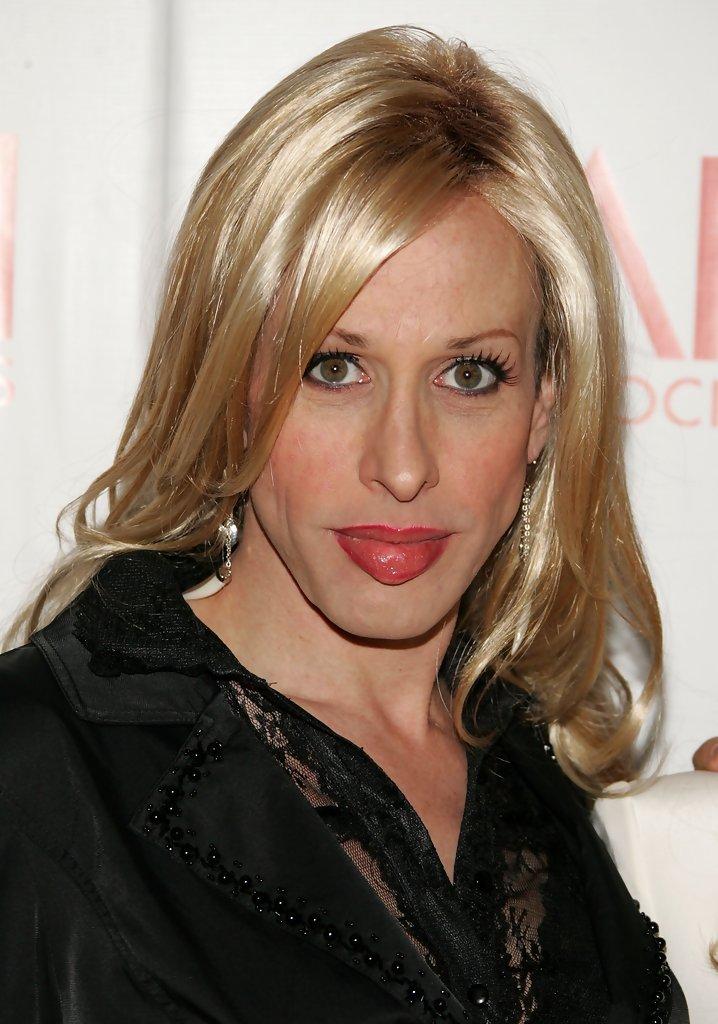 Alexis Arquette es la persona que pone en duda la sexualidad de los esposos Smith. (Foto Prensa Libre: Hemeroteca PL)