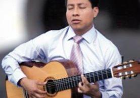 Luis Juárez Quixtán, guitarrista