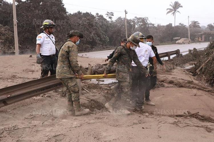 Bomberos Voluntarios llevaron a Concepción Hernández al hospital de Escuintla y luego fue trasladado al Instituto Guatemalteco de Seguridad Social en Mixco donde falleció.