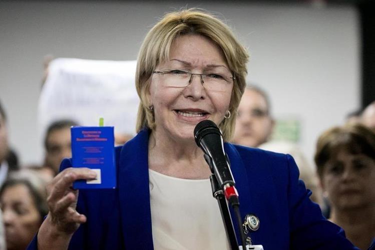 La fiscal general de Venezuela, Luisa Ortega Díaz, ofrece declaraciones el lunes último. (Foto Prensa Libre: EFE)