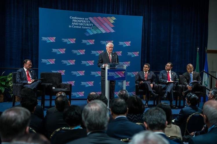 Rex Tillerson (c), habla durante la cumbre económica y de seguridad sobre Centroamérica.(EFE).