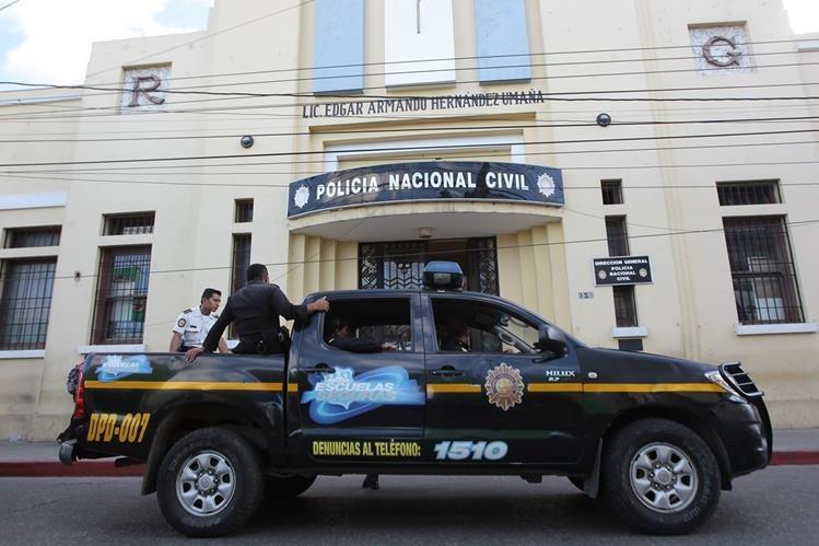 Las pruebas buscan demostrar la desaparición de los policías por sus compañeros. (Foto Prensa Libre: Hemeroteca PL)