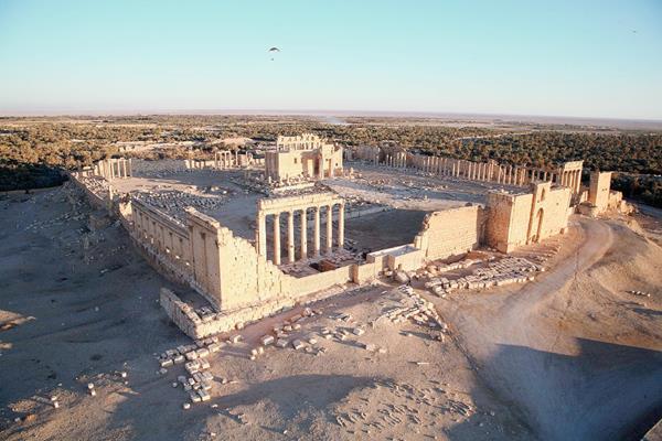 Una vista aérea de una parte de la antigua ciudad siria de Palmira tomada por el EI. (Foto Prensa Libre:AFP).AFP