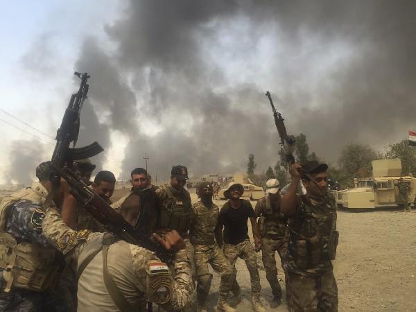 Ejército iraquí recuperó el viernes el control de la estratégica ciudad de Al Qayara, (AP).